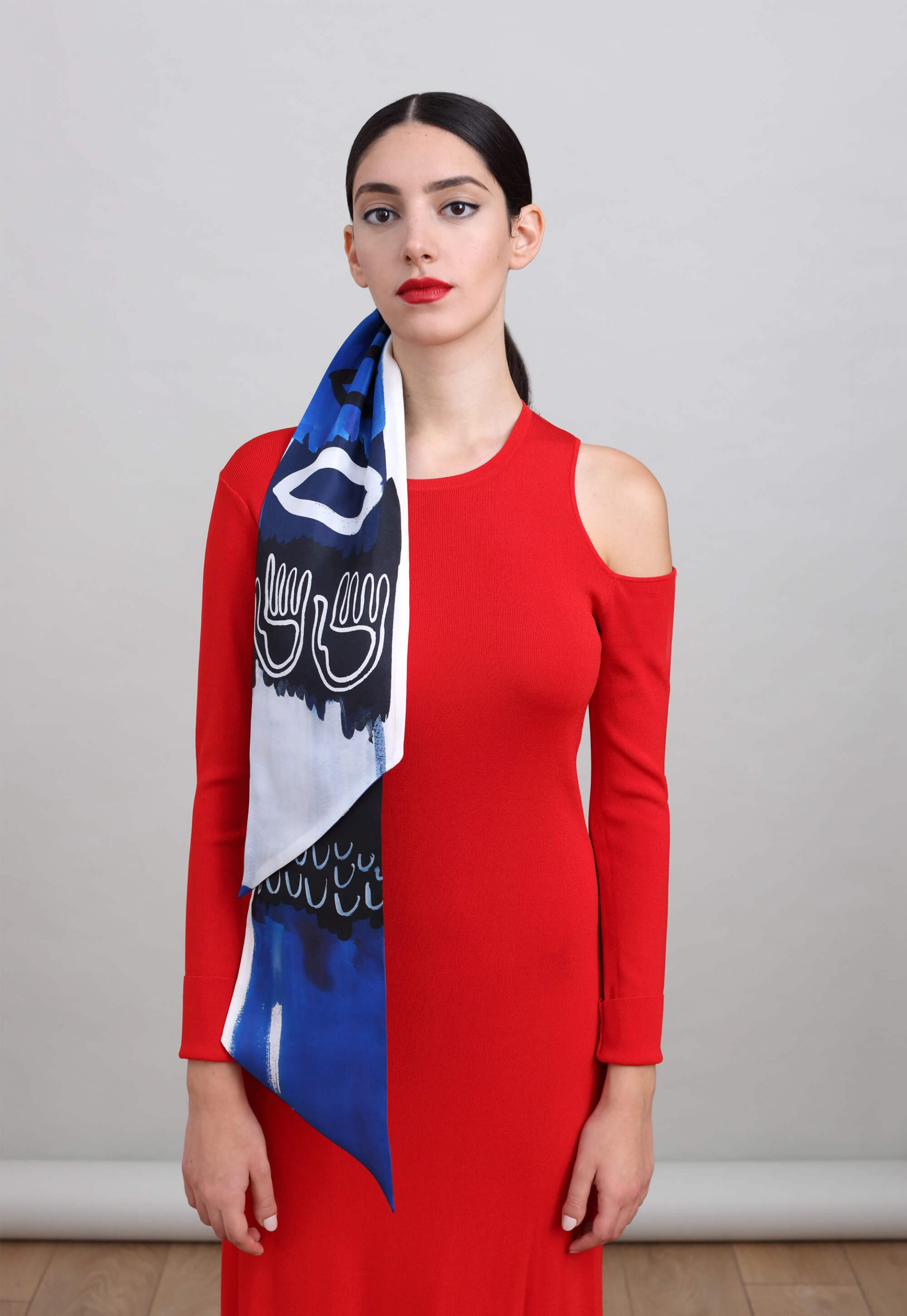Printed silk scarf in long narrow shape and diagonal edges, in Blue, Black and White